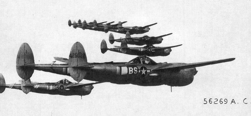 82d_Fighter_Group_-_P-38_Lightnings.jpg
