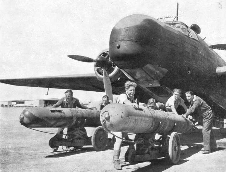 Vickers_wellington_VIII_torpedo.jpg